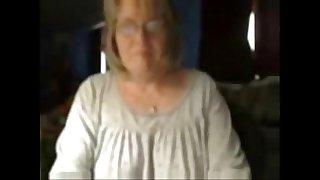 Dirty granny has fun on web cam. Amateur older