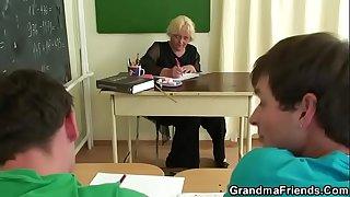 Granny threesome sex in the classroom