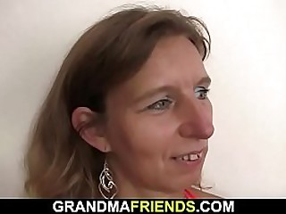 Old granny threesome fucked