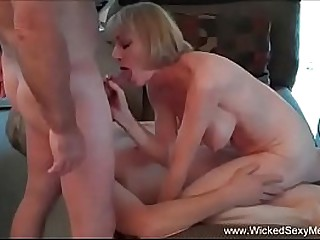 Horny Amateur Granny Does It Well
