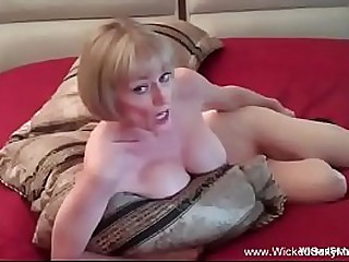 Amateur Granny Is Horny At Night