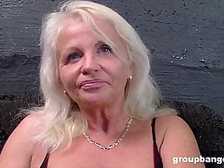 Mature slut does gangbangs like in the old days