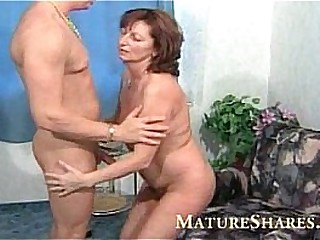 Wet old hairy granny pussy