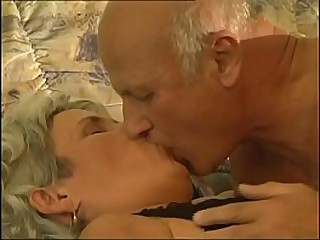 Old granny banged by a old but hard cock
