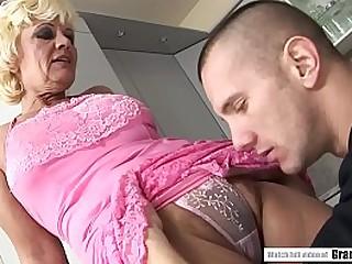 Hairy granny pussy