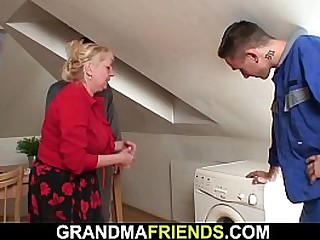Threesome sex with busty granny