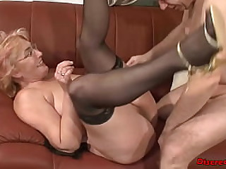 European granny fucked by her neigbour, he fuck her without a condom and cum in her mouth