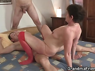 Old granny pleases two young guys